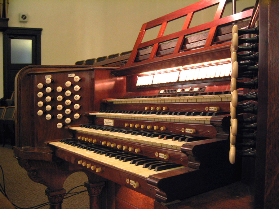 J.W. Steere & Son organ, Op. 700 (1918) in Baptist Temple - Brooklyn, N.Y. (photo: Steven E. Lawson)