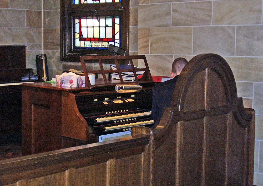 Console of Austin Organ, Op. 1035 (1921) in the Greenpoint Reformed Church - Brooklyn, N.Y. (credit: Keith Bigger)
