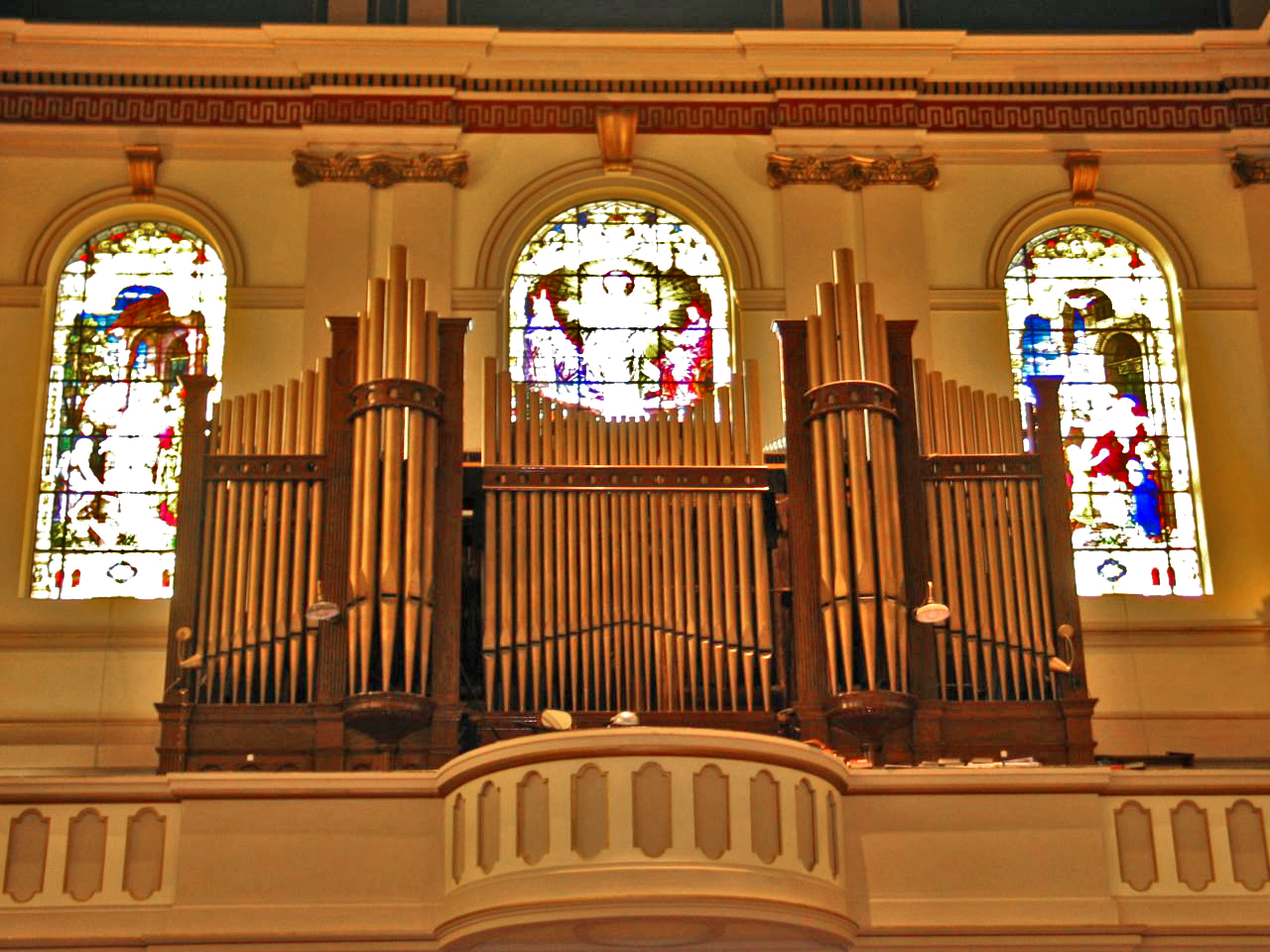 Reuben Midmer & Son organ case (1911) in St. Saviour Catholic Church - Brooklyn, N.Y. (photo: Sebastian M. Gluck)