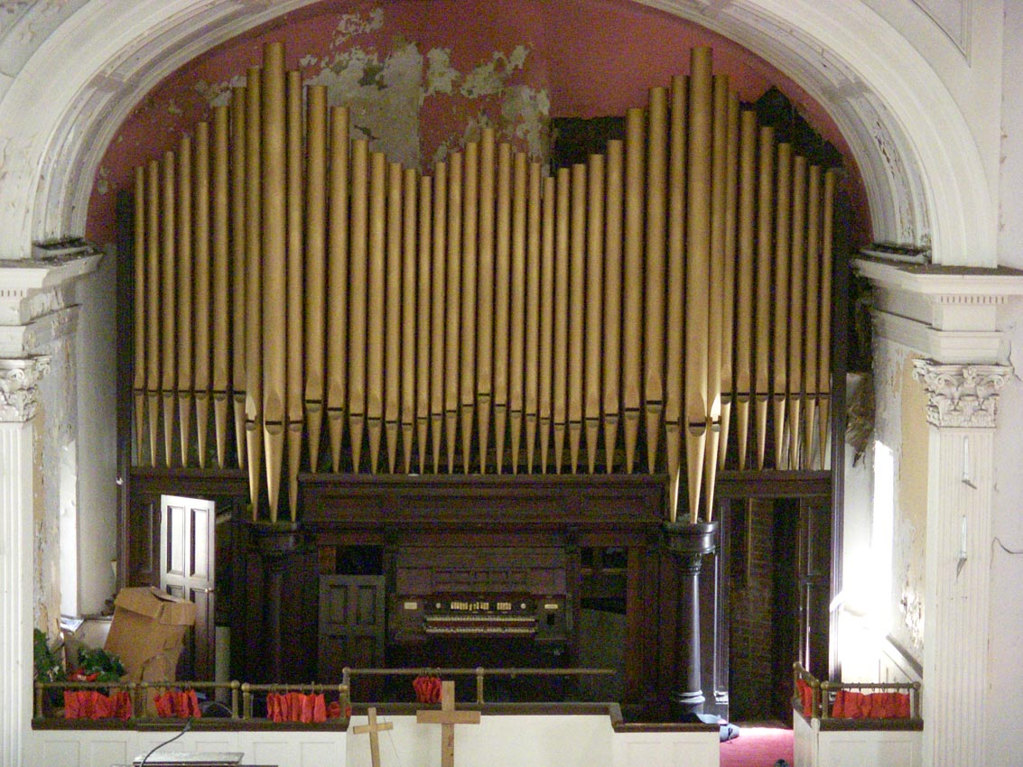 M.P. Moller organ, Op. 1814 (1914) in Pilgrim United Church of Christ - Bronx, N.Y. (photo: Dave Schmauch)