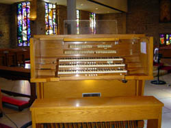 Delaware Organ Console (1966) at St. Frances of Rome Catholic Church - Bronx, N.Y.