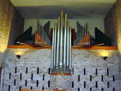 Delaware Organ (1966) at St. Frances of Rome Catholic Church - Bronx, N.Y.