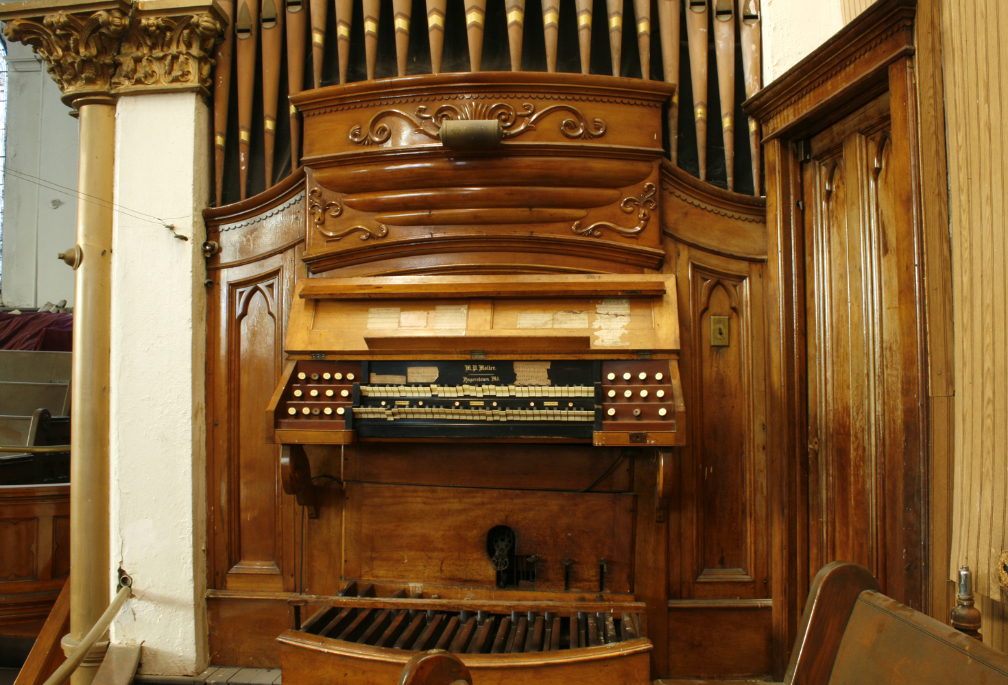 M.P. Möller organ, Op. 213 (1898) in Willis Avenue United Methodist Church - New York City (photo: Steven E. Lawson)