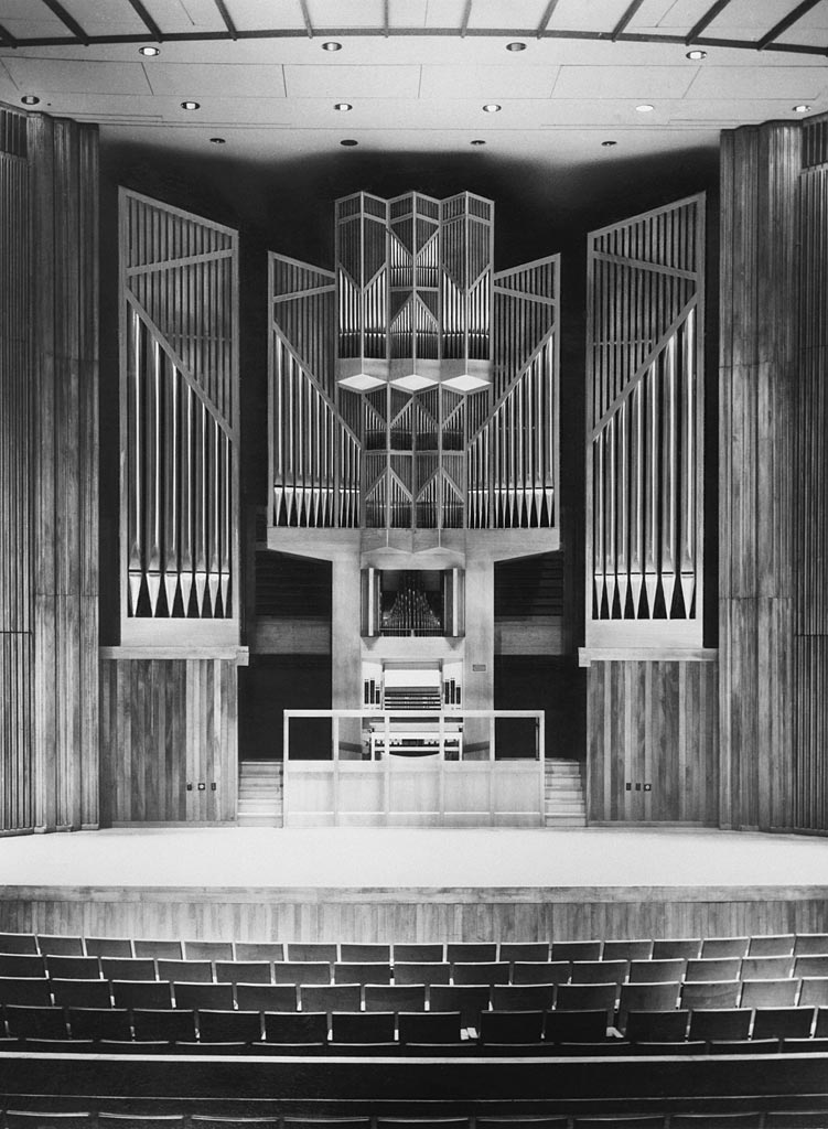 Th. Kuhn Organ (1975) in Alice Tully Hall, Lincoln Center - New York City (Th. Kuhn Organ Builders Ltd.)