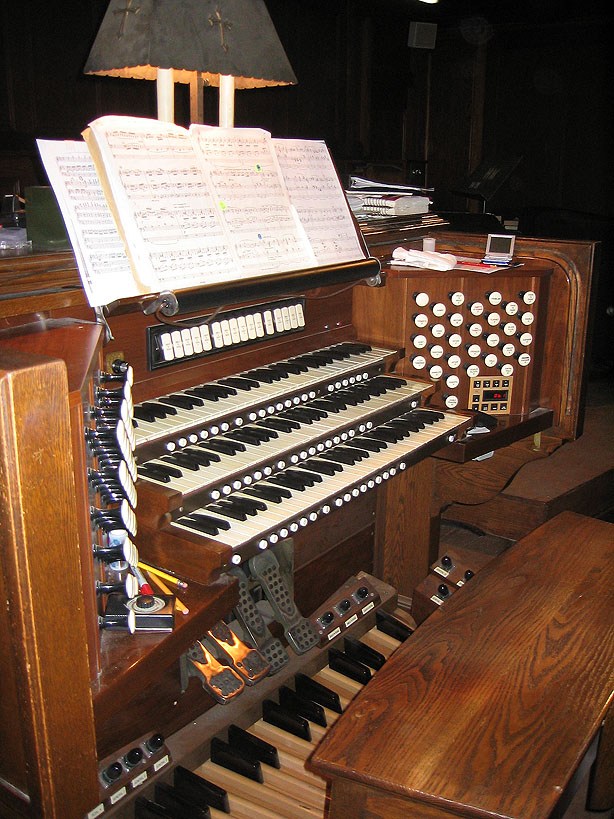 Rebuilt Casavant Frères organ console at the Church of the Blessed Sacrament - New York City (photo: John Rust)