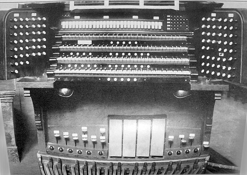 Console of Skinner Organ, Op. 135 (1906) in the Great Hall, City College of New York - New York City