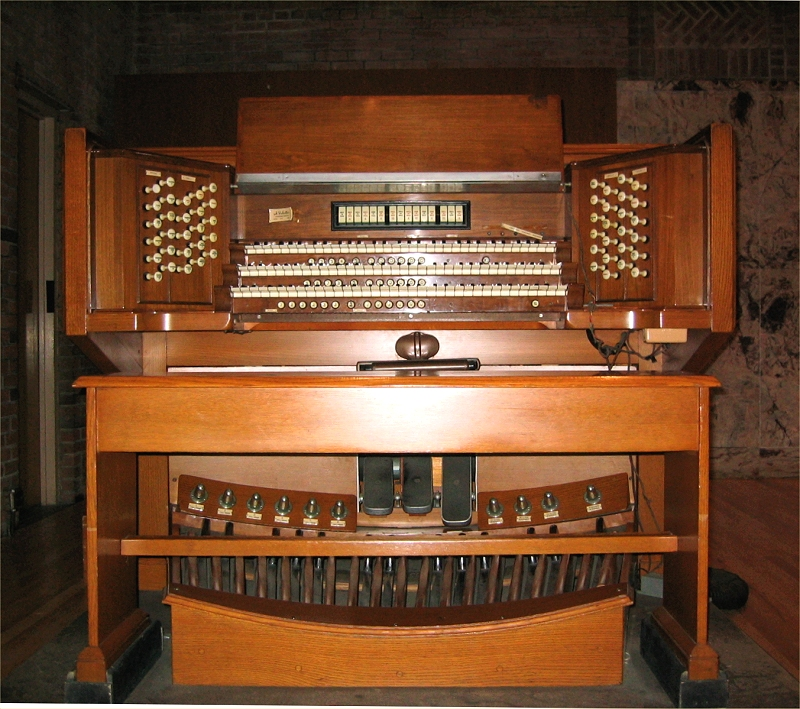 M.P. Möller Organ, Op. 8710 (1954) at The Community Church of New York City (Photo: Steven Lawson)