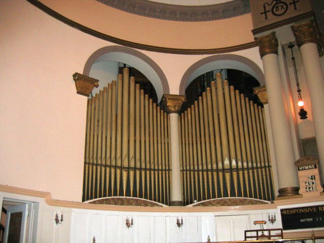 Hall Organ, Op. 677 (1937) in First Baptist Church - New York City (credit: Eric Birk)