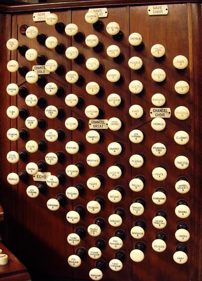 Right stop jamb on console of Skinner Organ, Op. 707 (1928) in Grace Episcopal Church, New York City (Steven E. Lawson)