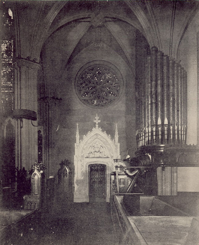 1898 photo of Hilborne L. Roosevelt Organ, Op. 36 (1876) at Grace Church - New York City