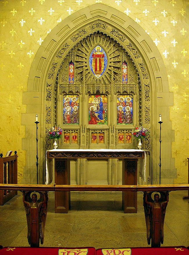 Reredos in the Chapel of the Beloved Disciple at Church of the Heavenly Rest - New York City (photo: Steven E. Lawson)