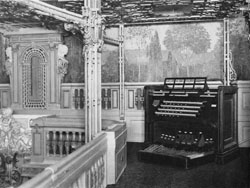 Ballroom Console of Austin Organ, Op. 252 (1910) in the Hotel Astor - New York City