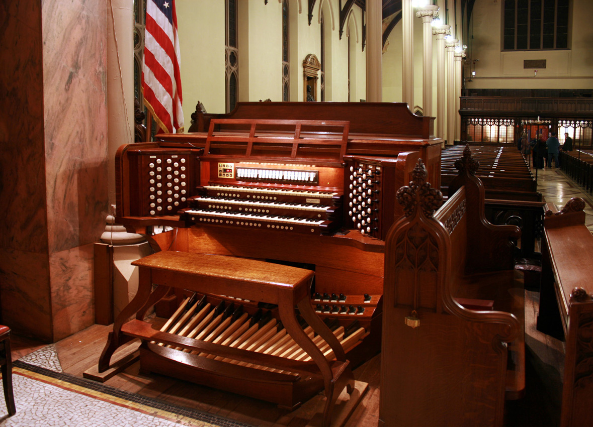 Console of Aeolian-Skinner Organ, Op. 1289-A at Episcopal Church of the Incarnation - New York City (photo: Steven E. Lawson)