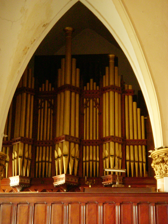 J.H. & C.S. Odell organ, Op. 615 (1956) in Mount Calvary United Methodist Church - New York City (photo: Dave Schmauch)