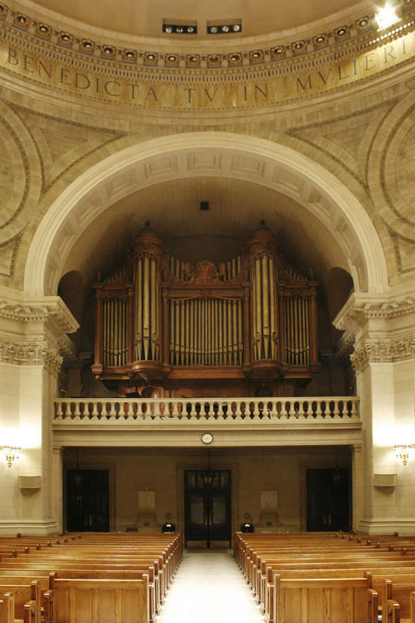 Casavant Frères organ, Op. 1047 (1924) in the Church of Notre Dame - New York City (photo: Steven E. Lawson)