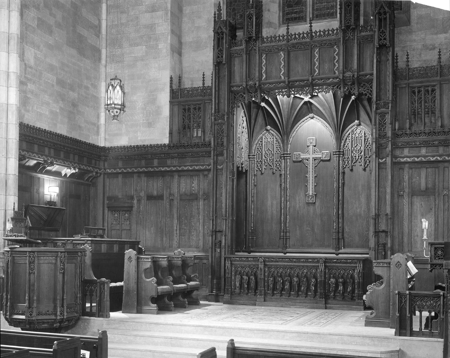 Console of Hook & Hasting Organ, Op. 2455 (1922) in Park Avenue Baptist Church - New York City (The Riverside Church Archive)