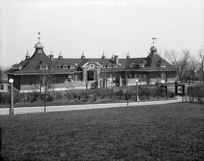 C.K.G. Billings Stables - New York City (Wurts Bros., 1913)