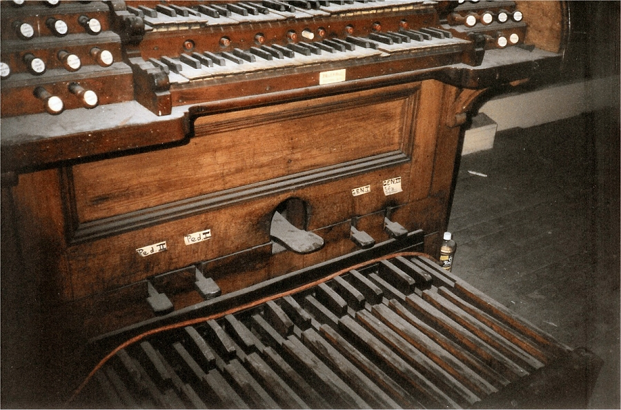 Odell Organ Console, Op. 215 (1884) at Sacred Heart of Jesus Catholic Church - New York City