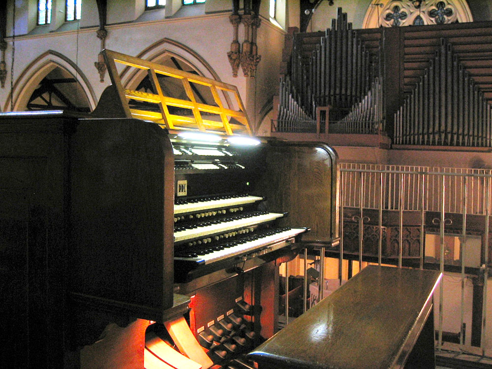 Austin Organ Console, Op. 2355 (1961) at St. Ambrose Episcopal Church - New York City (Photo: Steven Lawson)