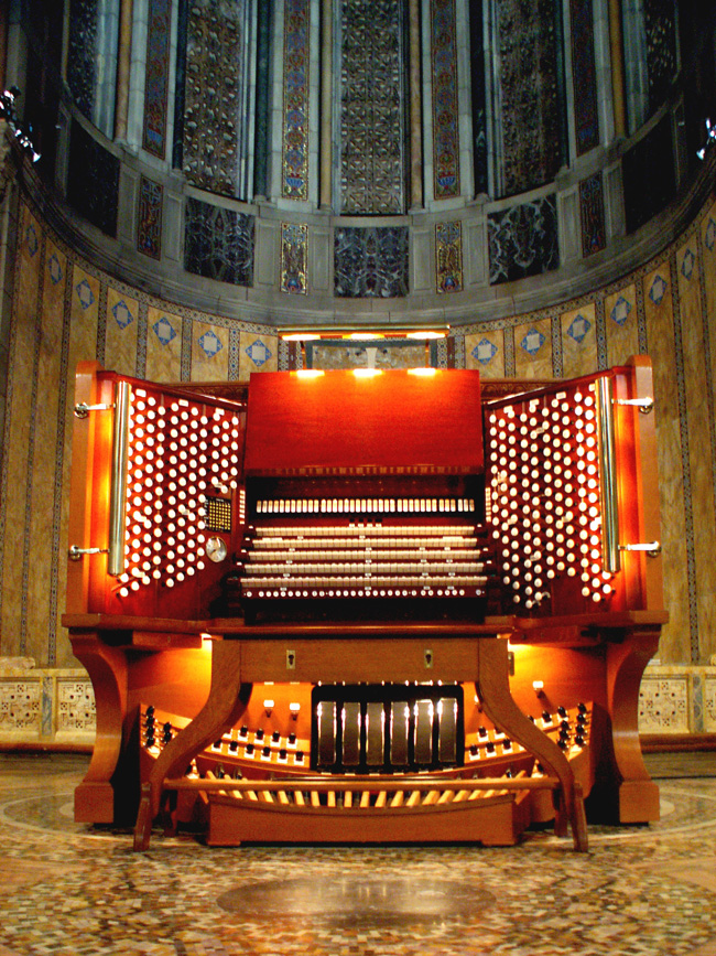 2006 Console of Aeolian-Skinner Organ, Op. 275-E/F (1970-71) at St. Bartholomew's Church - New York City (photo: Tim Martin)