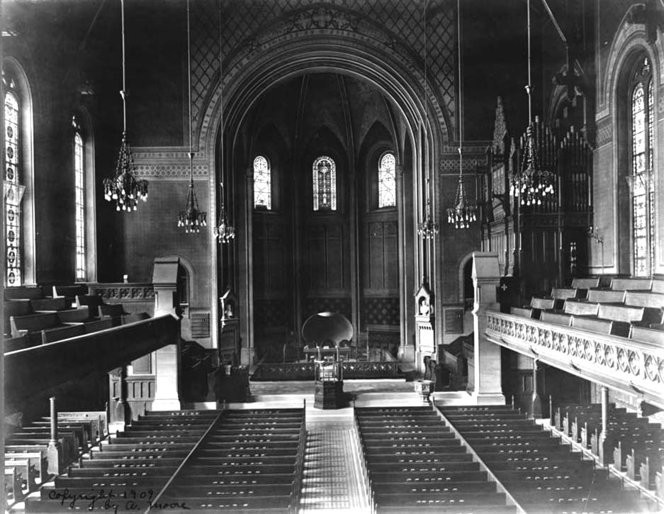 1909 photo showing Jardine Organ (1884) in chancel of St. George's Episcopal Church - New York City (Photo: A. Moore, from Library of Congress)