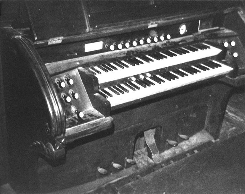 "Console of W.W. Kimball Organ (1910) in St. Malachy's Catholic Church (""The Actors' Chapel"") - New York City (photo: AJWB Collection)"
