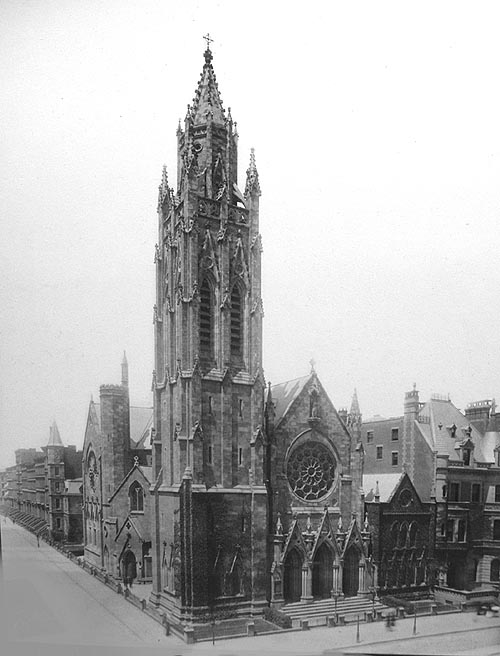 St. Thomas Church (1870-1904) designed by Richard M. Upjohn - New York City (photo: St. Thomas Church Fifth Avenue)