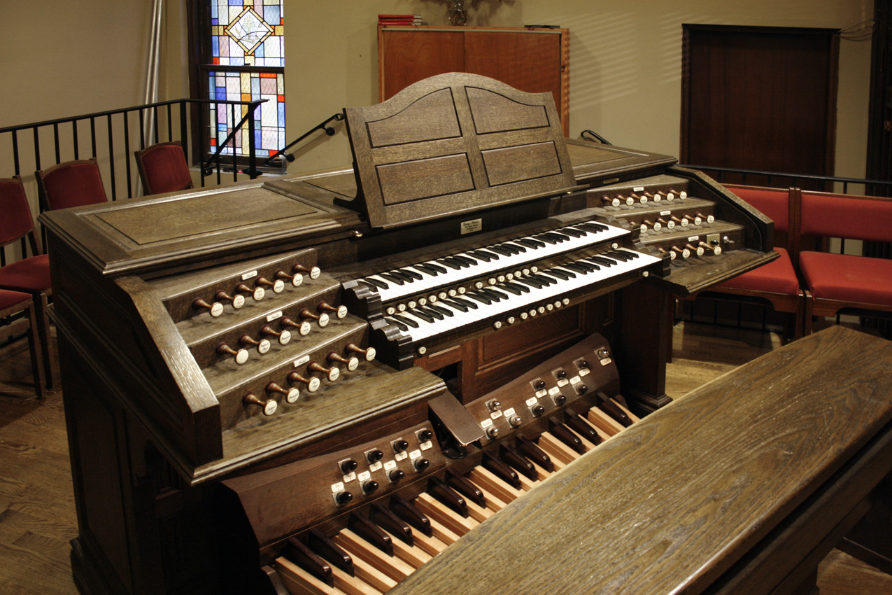 Lively-Fulcher organ (1998) in St. Thomas More Catholic Church - New York City (photo: Steven E. Lawson)