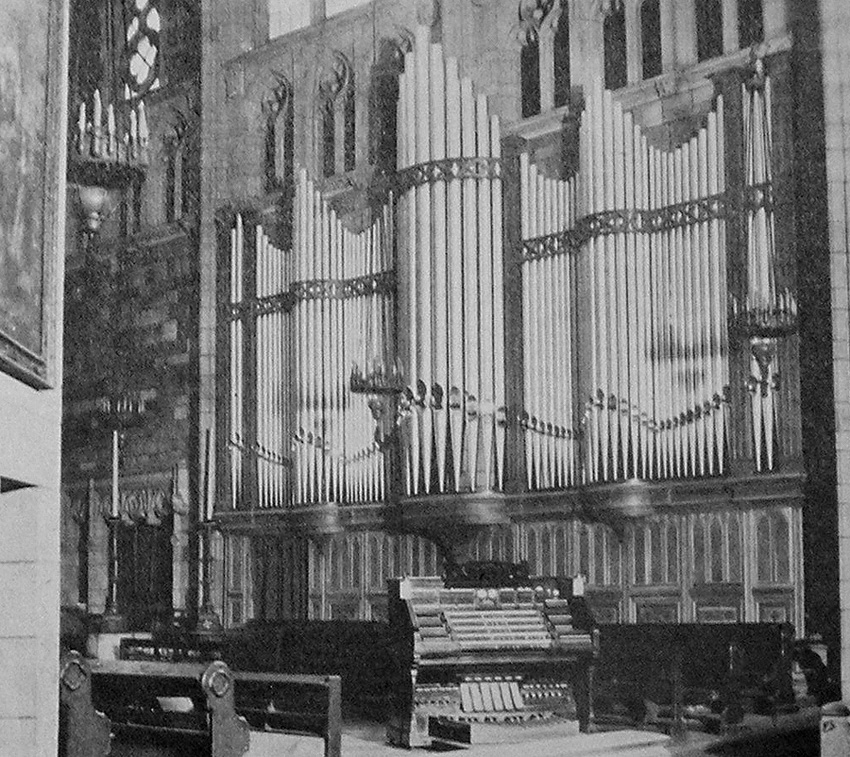 Chancel console and facade of Fratelli Balbiani Organ (1925) formerly in St. Vincent Ferrer Catholic Church - New York City (photo: The American Organist, May 1926)