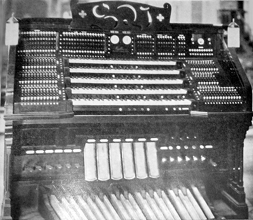 Chancel console of the Fratelli Balbiani Organ (1925) formerly in St. Vincent Ferrer Catholic Church - New York City (photo: The American Organist, May 1926)