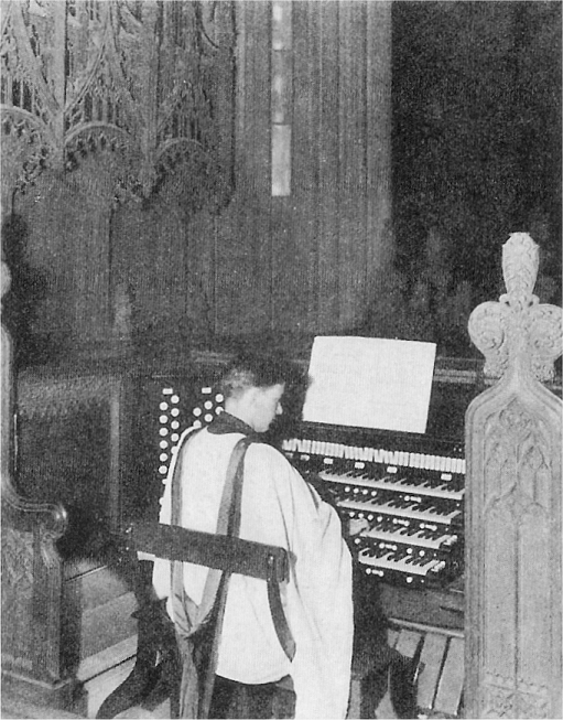 Dr. Channing Lefebvre at console of Skinner organ, Op. 408 (1923) formerly at  Trinity Church Wall Street - New York City