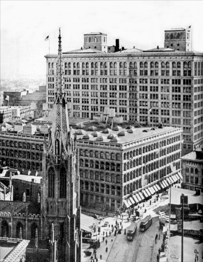 John Wanamaker Store - New York City (undated photo courtesy Friends of the Wanamaker Organ, www.wanamakerorgan.com)